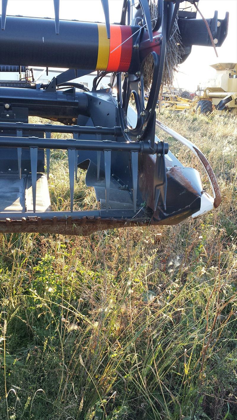 Barga ca: 2012 MacDon D60 30' Swather Header
